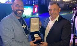 Alan Burak (Penyelenggara SAGSE Award) dan Fabian Grous (Manajer Umum NOVOMATIC Argentina).  (Foto: Novomatic)