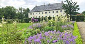 Sebuah pesta untuk mata: Dengan Taman Inggris, Schloss Benkhausen juga mengambil bagian dalam Hari Taman dan Taman di Westphalia-Lippe.
