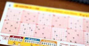 Mencentang lotere tambahan seperti Spiel 77 saat membuat tip lotere Anda bisa sangat bermanfaat.  Hal tersebut tentunya akan dikonfirmasi oleh pemain yang berasal dari daerah Dortmund.  Orang yang beruntung menerima uang lebih dari empat juta euro.  (Foto: Sarah Rohlmann)