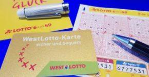 Helau, Alaaf atau apapun: Sesuai dengan karnaval akhir pekan, seorang peserta dari North Rhine-Westphalia menjadi jutawan di LOTTO 6aus49.  Rabu depan, peluang berikutnya dari kemenangan jutaan dolar sedang menunggu: lotre tambahan Spiel 77 memiliki pembayaran jackpot yang dijamin.  (Foto: Bodo Kemper)